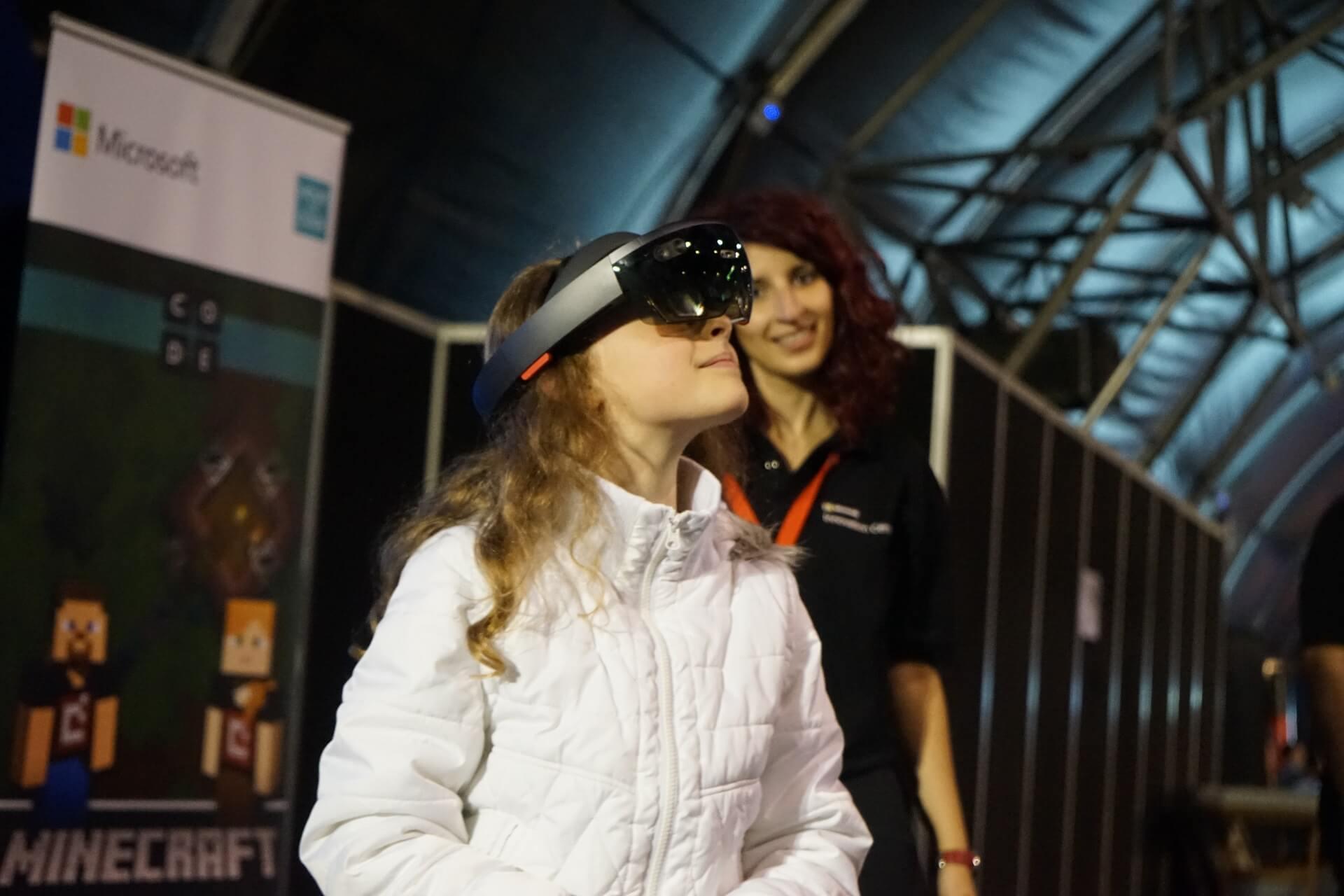LightBuzz @ Robotics Olympiad HoloLens (1)