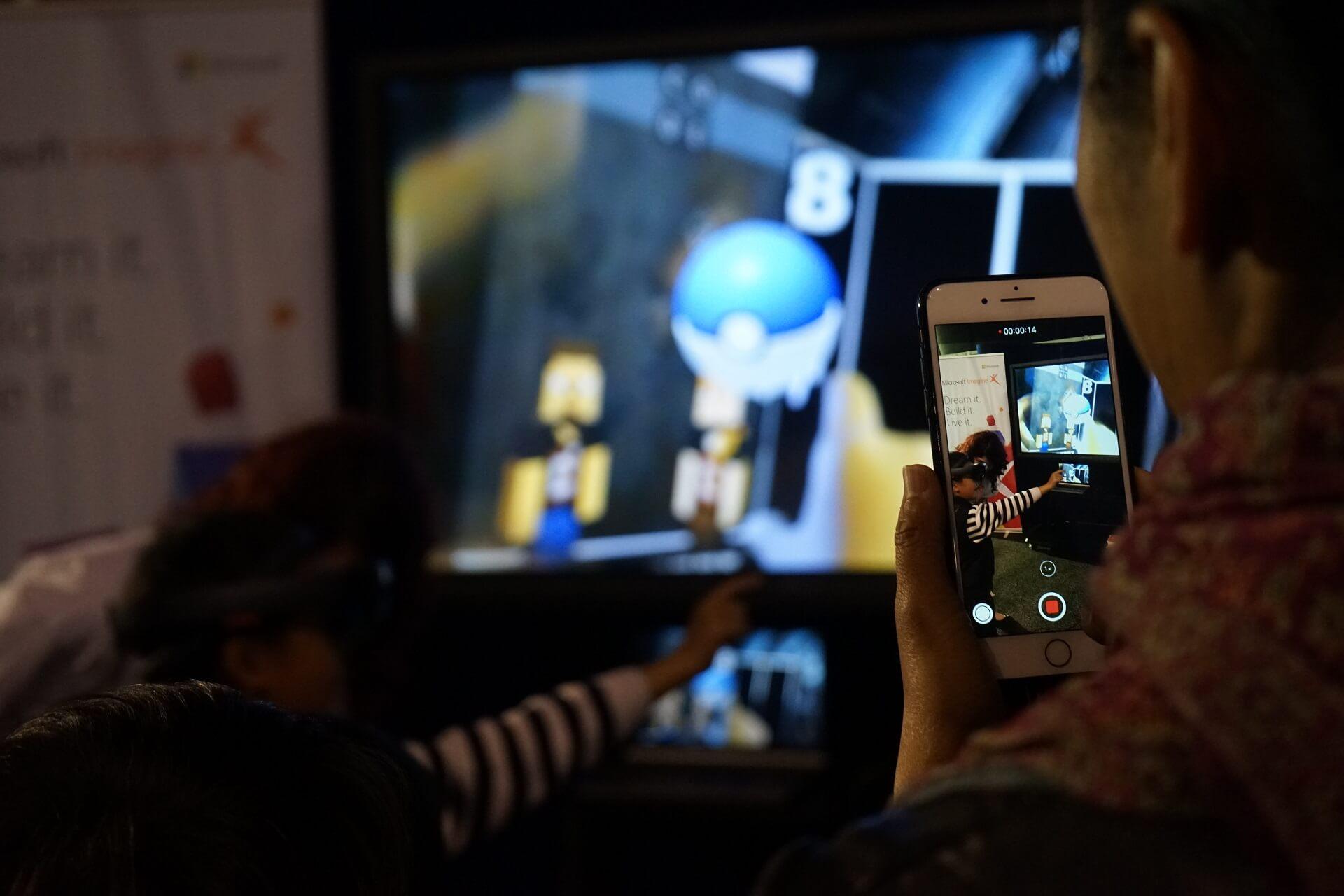 LightBuzz @ Robotics Olympiad HoloLens (4)